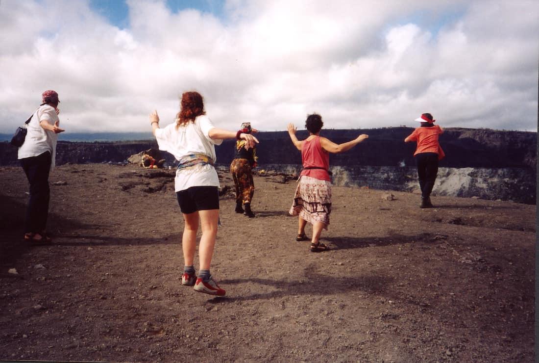 Hawaiianische-Koerperarbeit-Fliegen-Bewegungsmeditation-Bremen-Barbara-Baum
